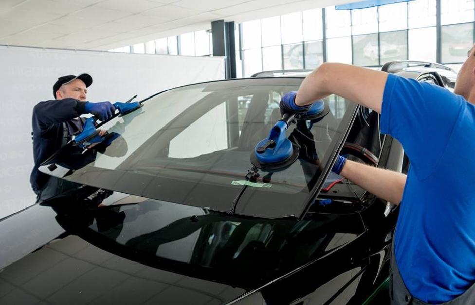 Výmena čelného skla - Autosklo Hornet